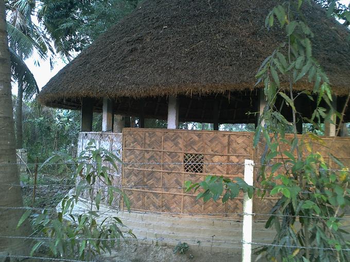 Соломенный домик