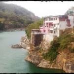 Ришикеш - максимально туристическая Индия.