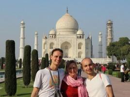 Мы на фоне Тадж Махала